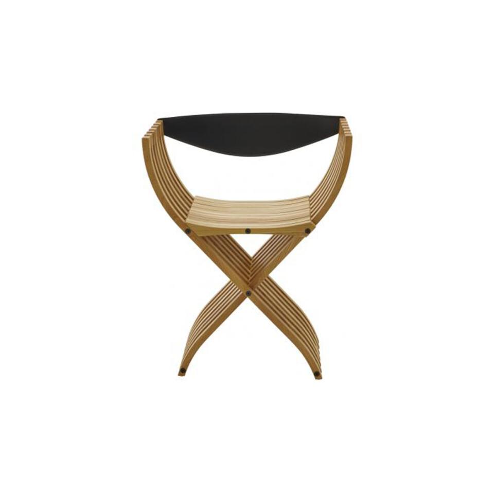 Ligne Roset Curule-tuoli pähkinän värisenä