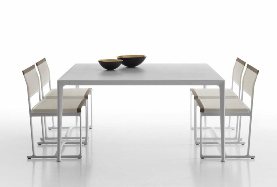 B&B Italia Mirto Outdoor pöytä