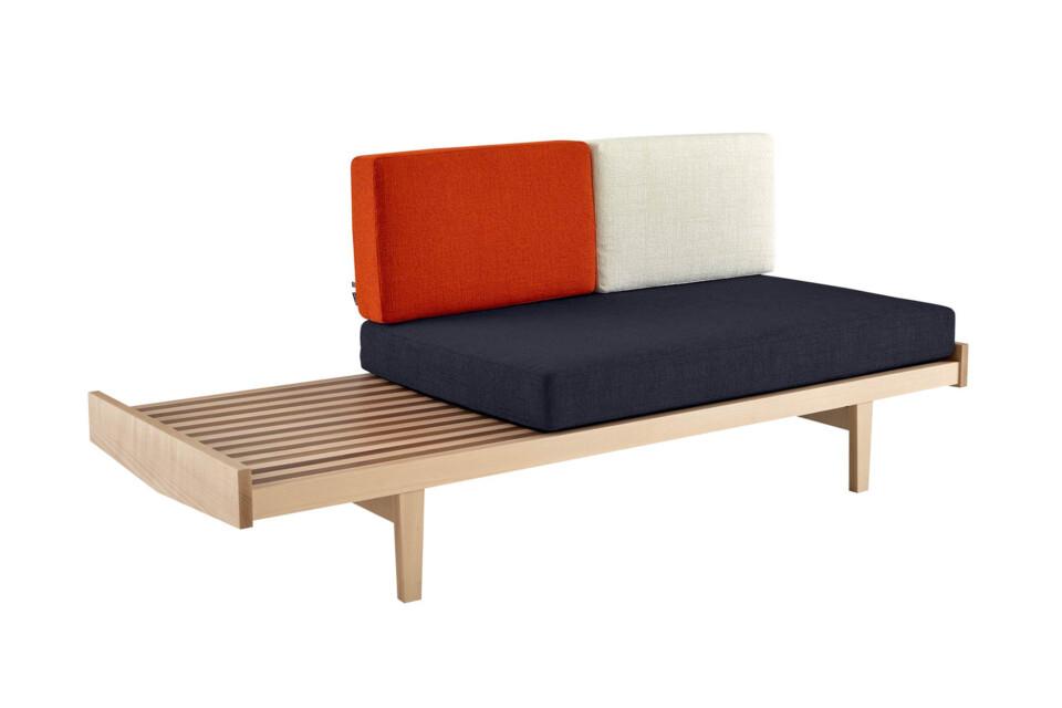 Ligne Roset Daybed sohva ja penkki