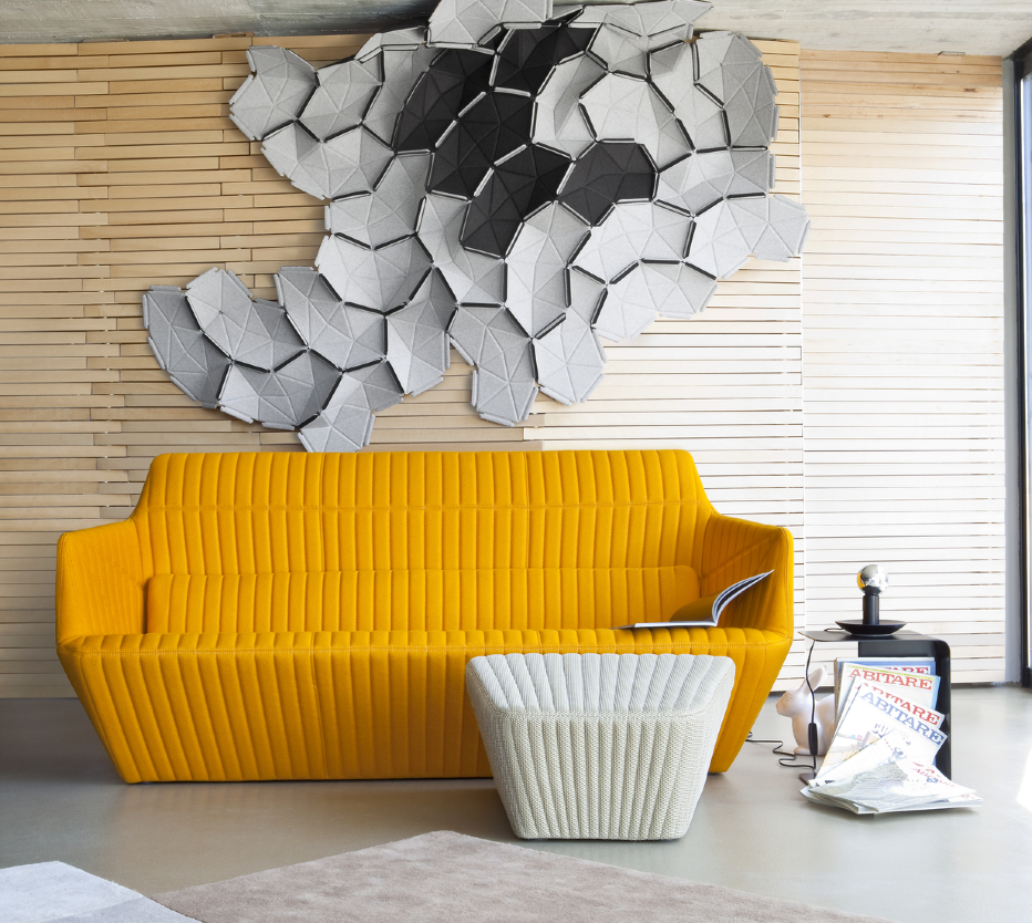 Ligne Roset Facett-sohva, Clouds-koristeet, Pan Pan -koristepupu, Solo-villamatto