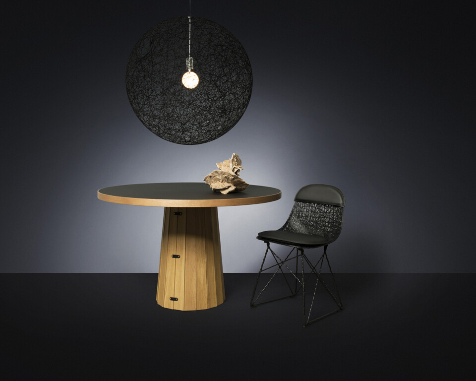 Moooi Random Light ja Carbon Chair tuoli