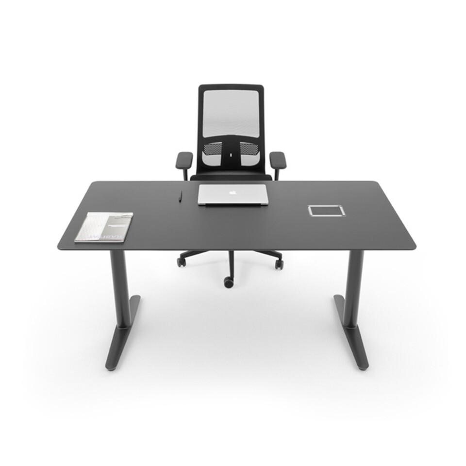 ICF Nevio työpöydät 2